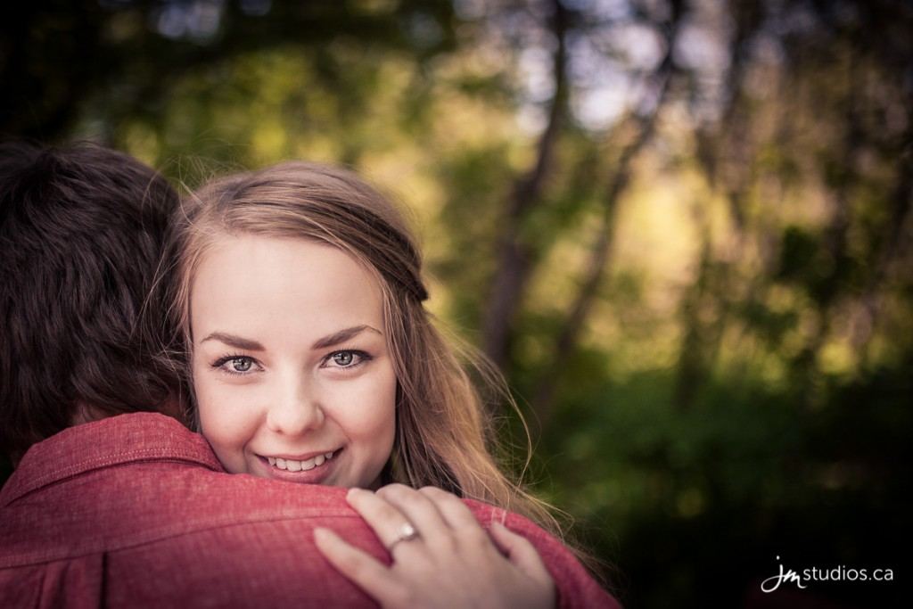 150621_138-Edmonton-Engagement-Photographers-Reviews-Henrietta-Louise-Edwards-Park-JM_Photography