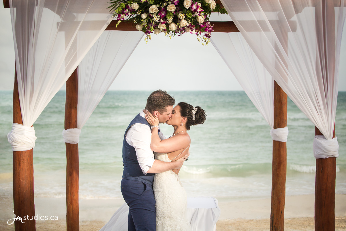 Wedding Photography Prices In California: Calgary Wedding Photographers Prices > JM Photography