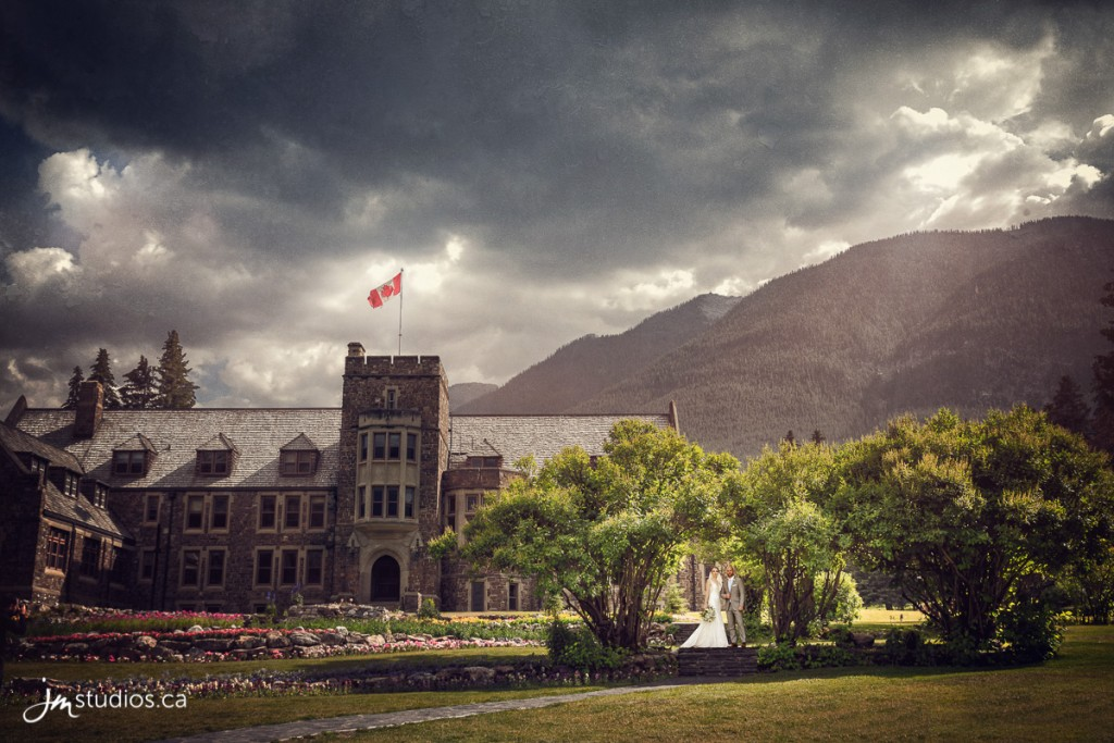 180728_6214-Banff-Wedding-Photographers-Moose-Hotel-and-Suites-JM_Photography