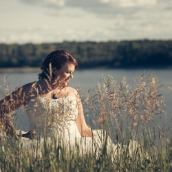 Carmen's Trash the Dress Session along the Elbow River in North Glenmore Park