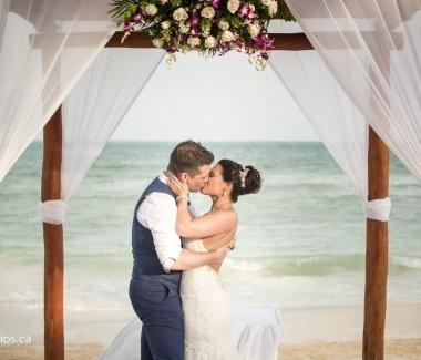170404_60843-Destination-Wedding-Photographer-Review-Mexico-JM_Photography