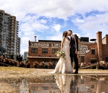 170826_00001-Calgary-Wedding-Photographers-Simmons-Building-JM_Photography