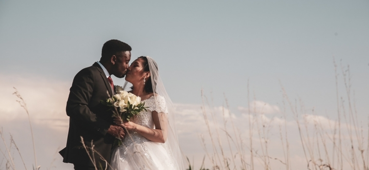 The Stewart's Sneak-a-Peek Pics from their wedding at Sirocco Golf Club