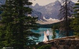 The Steffens' Mountain Wedding at Moraine Lake in Banff National Park